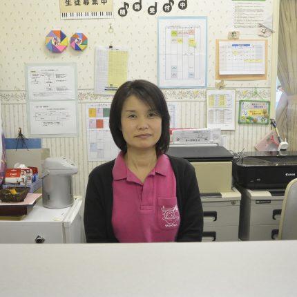 鈴木 亜希子 フロントスタッフ
